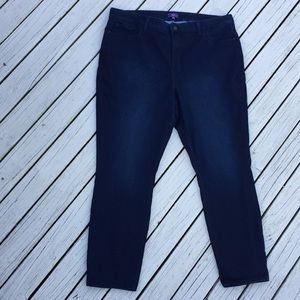 NYDJ Womans 20W jean legging dark wash is
